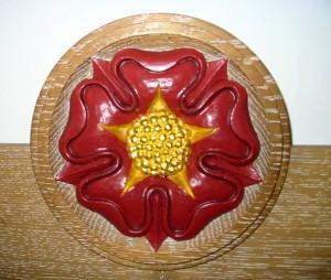 Tudor Rose Oak Roundel